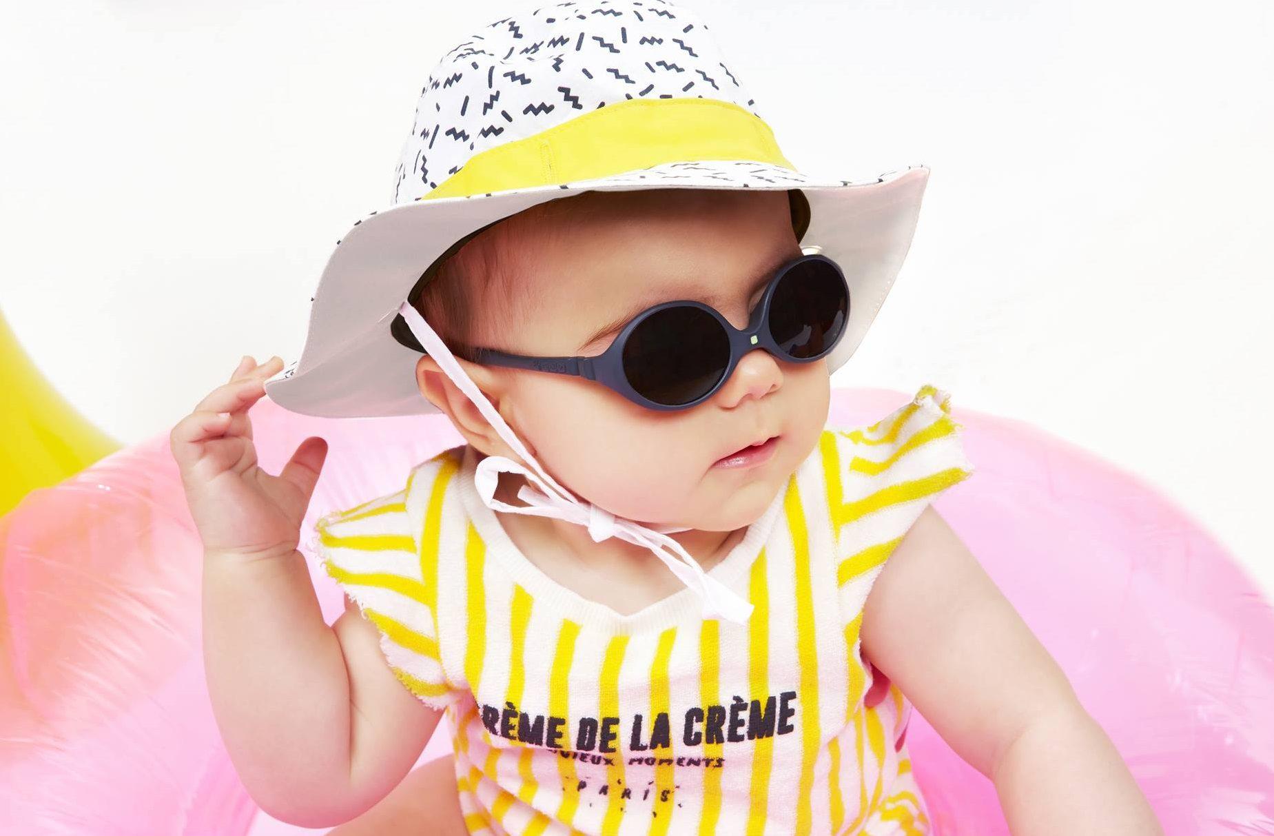 Kietla sunčane naočale i šeširići