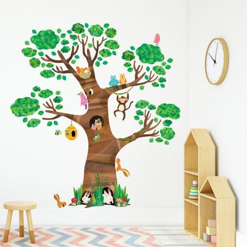 ogromno drvo sa životinjama